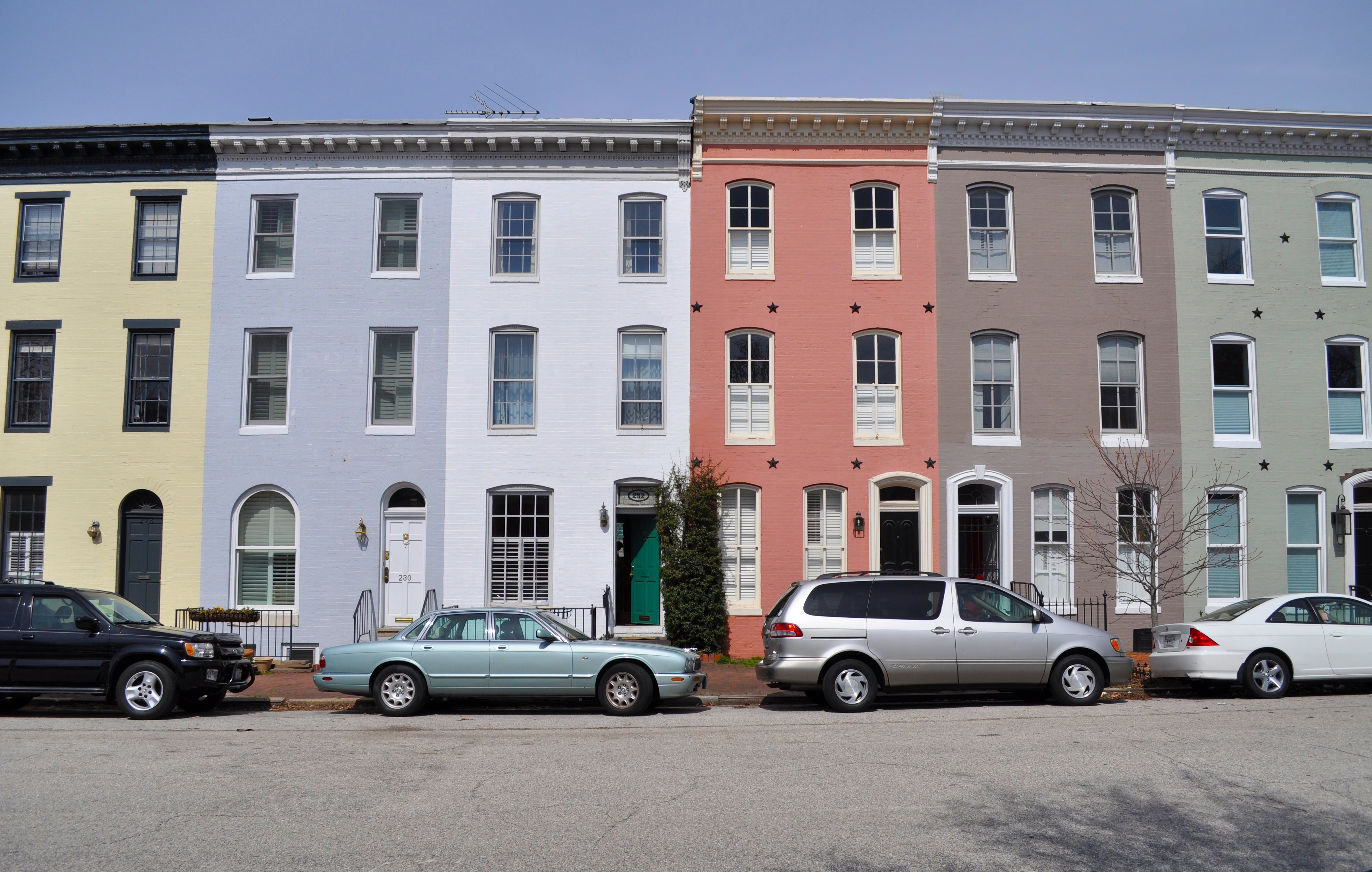 Colored row houses something for the eyes the for Houses images pictures