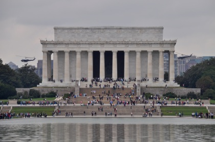 lincoln-memorial-helicopters-t