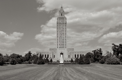 Louisiana Capitol T